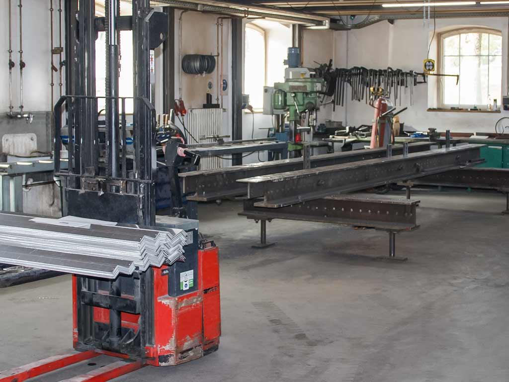 Schröfl GmbH - Schlosserei - Stahlbau: Firmensitz Gut Wandelheim, Werkstatt