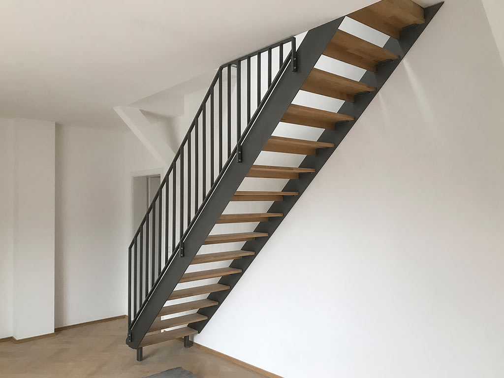 Schröfl GmbH - Schlosserei - Stahlbau: Treppen