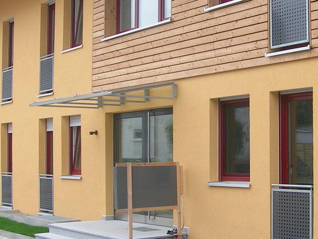 Schröfl GmbH - Schlosserei - Stahlbau Leistung: Vordächer